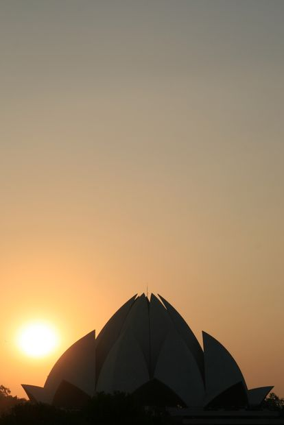 inde-20121121-7852-new-delhi-lotus-temple-sunset.jpg