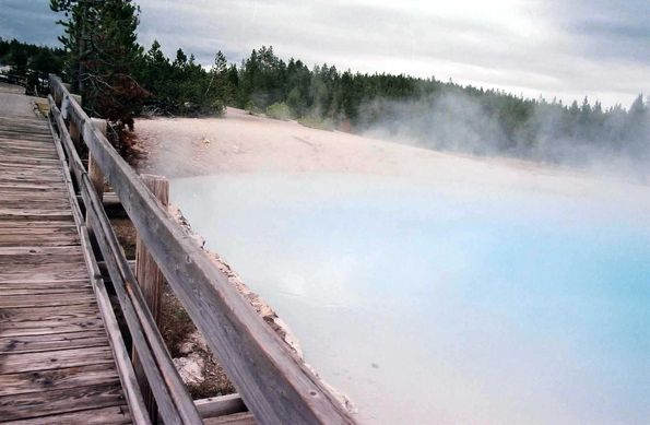 Porcelain basin. Yellowstone.